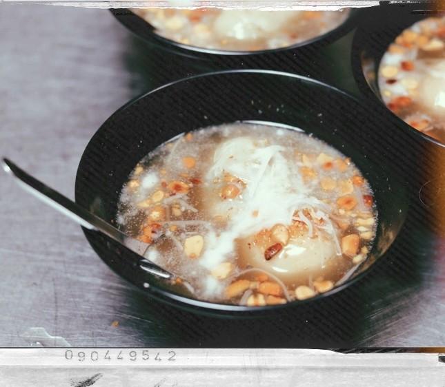 Bánh trôi tàu: Món ăn khiến bạn chỉ muốn xuýt xoa hơi ấm chiều đông những ngày cuối năm ảnh 2