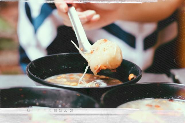 Bánh trôi tàu: Món ăn khiến bạn chỉ muốn xuýt xoa hơi ấm chiều đông những ngày cuối năm ảnh 5