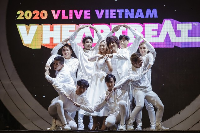 Thiều Bảo Trâm hóa công chúa ngọt ngào tỏa sáng trên sân khấu V Heartbeat ảnh 6