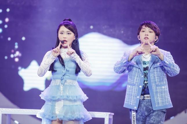 Thiều Bảo Trâm hóa công chúa ngọt ngào tỏa sáng trên sân khấu V Heartbeat ảnh 4