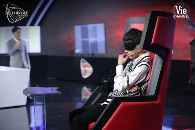 Siêu Trí Tuệ Việt Nam: Nghẹt thở theo dõi họa sĩ 3D định vị 28 triệu điểm ảnh bằng mắt ảnh 2