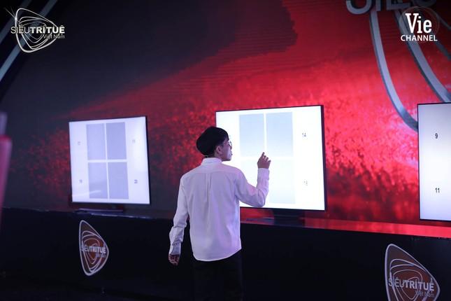 Siêu Trí Tuệ Việt Nam: Nghẹt thở theo dõi họa sĩ 3D định vị 28 triệu điểm ảnh bằng mắt ảnh 3