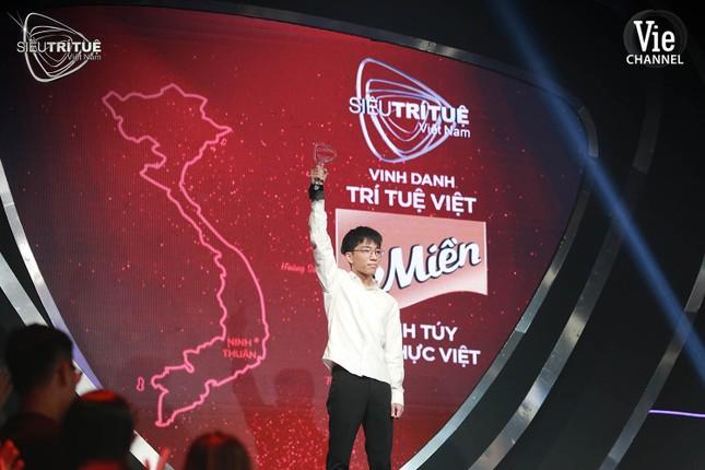 Siêu Trí Tuệ Việt Nam: Nghẹt thở theo dõi họa sĩ 3D định vị 28 triệu điểm ảnh bằng mắt ảnh 6