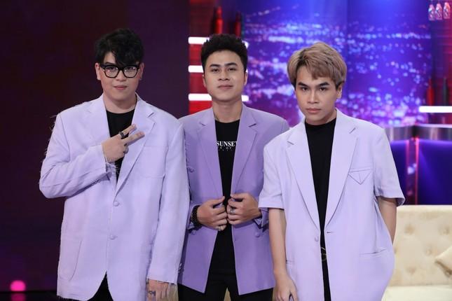 """""""Bài hát đầu tiên"""": Hoàng Thùy Linh bị """"vạch tội"""" hay """"bắt nạt"""" nhóm nhạc DTAP ảnh 2"""