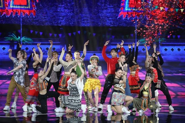 """""""Bài hát đầu tiên"""": Hoàng Thùy Linh bị """"vạch tội"""" hay """"bắt nạt"""" nhóm nhạc DTAP ảnh 8"""