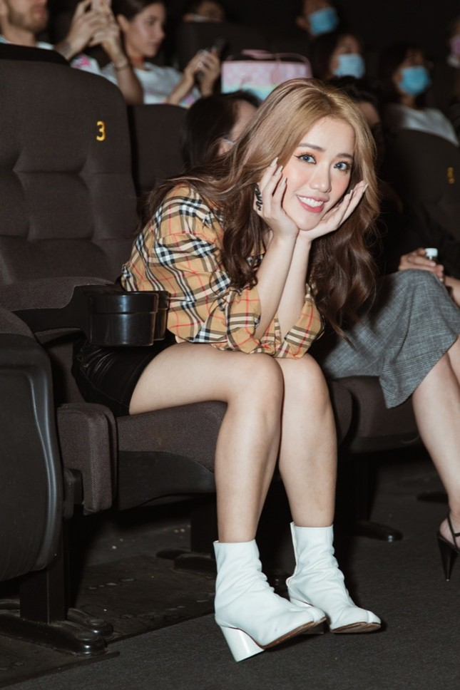 Phùng Khánh Linh phản ứng ra sao khi ca khúc mới bị so sánh với hit của Chi Pu? ảnh 4