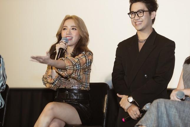 Phùng Khánh Linh phản ứng ra sao khi ca khúc mới bị so sánh với hit của Chi Pu? ảnh 5