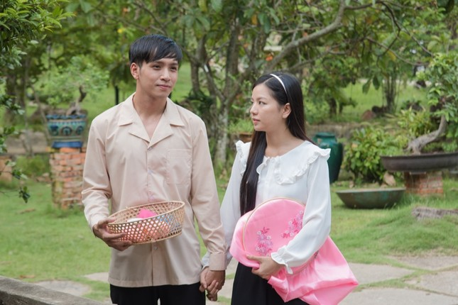 """Hạ Anh kết đôi cùng trai đẹp Bạch Công Khanh trong phim truyền hình """"Ngày Em Đến"""" ảnh 1"""
