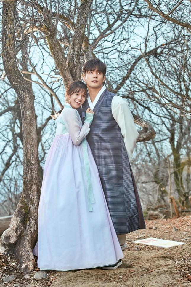 """Hoàng Yến Chibi """"nảy sinh tình cảm"""" với nam thần Hàn Quốc Sung Hoon trong dự án Việt - Hàn ảnh 5"""