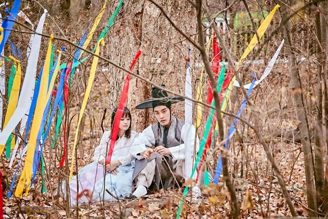 """Hoàng Yến Chibi """"nảy sinh tình cảm"""" với nam thần Hàn Quốc Sung Hoon trong dự án Việt - Hàn ảnh 6"""