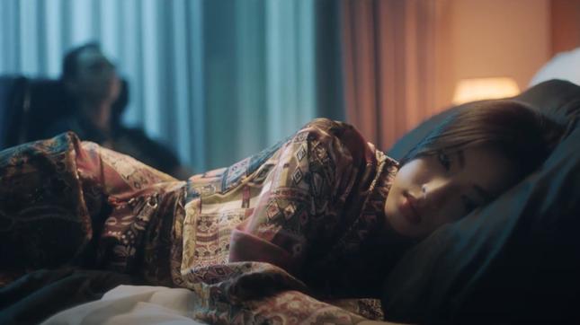"""Tạm gác hình tượng """"bad boy"""", Soobin Hoàng Sơn hóa """"trai mơ"""" trong MV """"Tháng Năm"""" ảnh 4"""