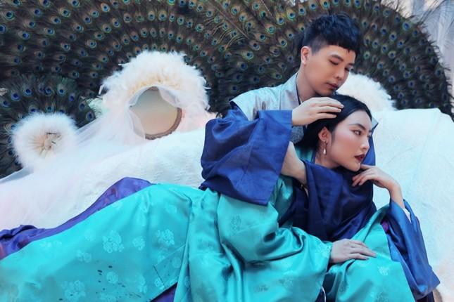"""Trịnh Thăng Bình phác họa thế giới truyện Kiều ảo diệu trong MV """"Bức Bình Phong"""" ảnh 3"""
