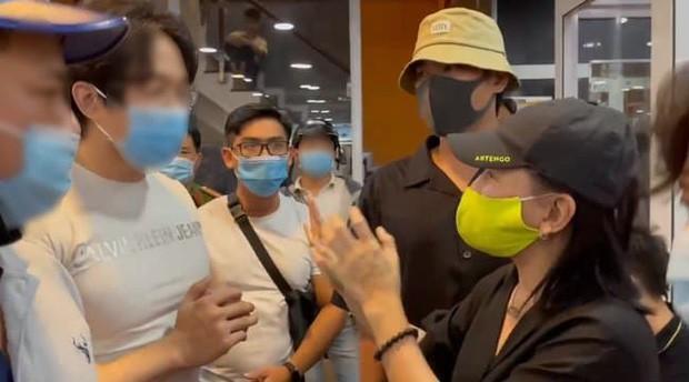 Diễn viên Cát Phượng gây tranh cãi khi phản pháo gay gắt lời nhắc nhở của NSND Việt Anh ảnh 3