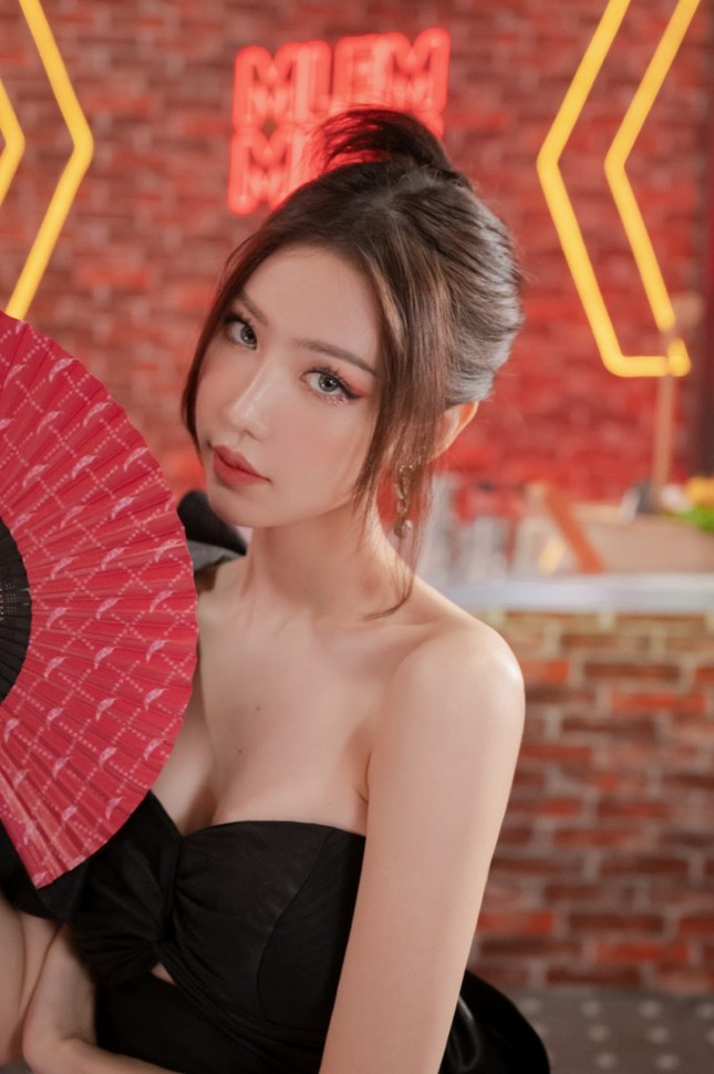 """Binz, Hoàng Thuỳ Linh, Min... cùng """"đếm ngược"""" chào năm mới tại lễ hội hoành tráng ảnh 3"""