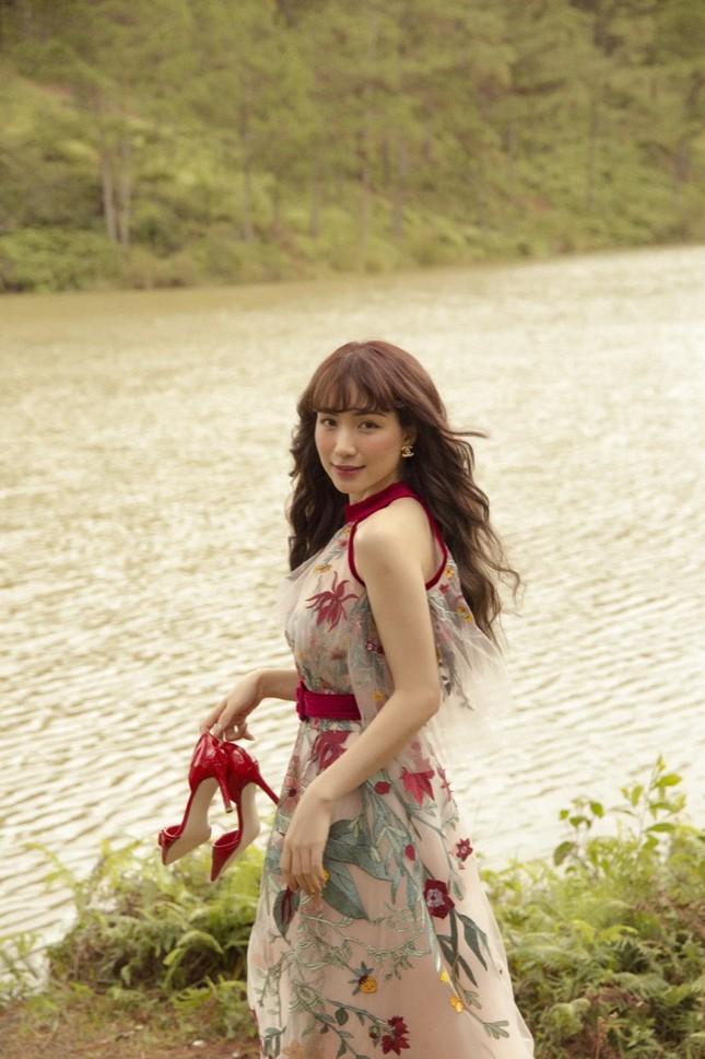 Hoà Minzy bất ngờ tung bản ballad đầy ấm áp tặng fan nhân dịp Giáng sinh ùa về ảnh 5