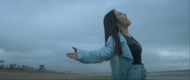 Kết hợp Tiên Cookie, Hương Tràm tuyên bố tái xuất V-Pop bằng 2 câu hát đầy cảm xúc ảnh 1
