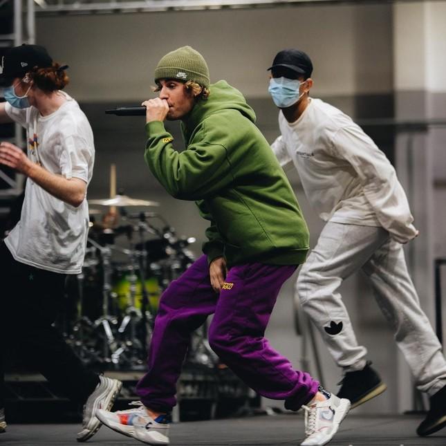 """Justin Bieber tập luyện hết mình cho concert năm mới, fan Việt có thể săn vé """"quẩy"""" cùng ảnh 3"""