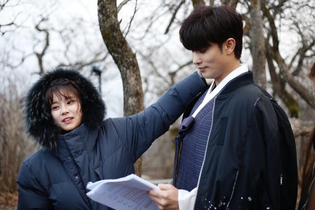 """Siêu Sao Mờ Ám: Lụy tim trước """"phản ứng hóa học"""" của Hoàng Yến Chibi và Sung Hoon ảnh 3"""