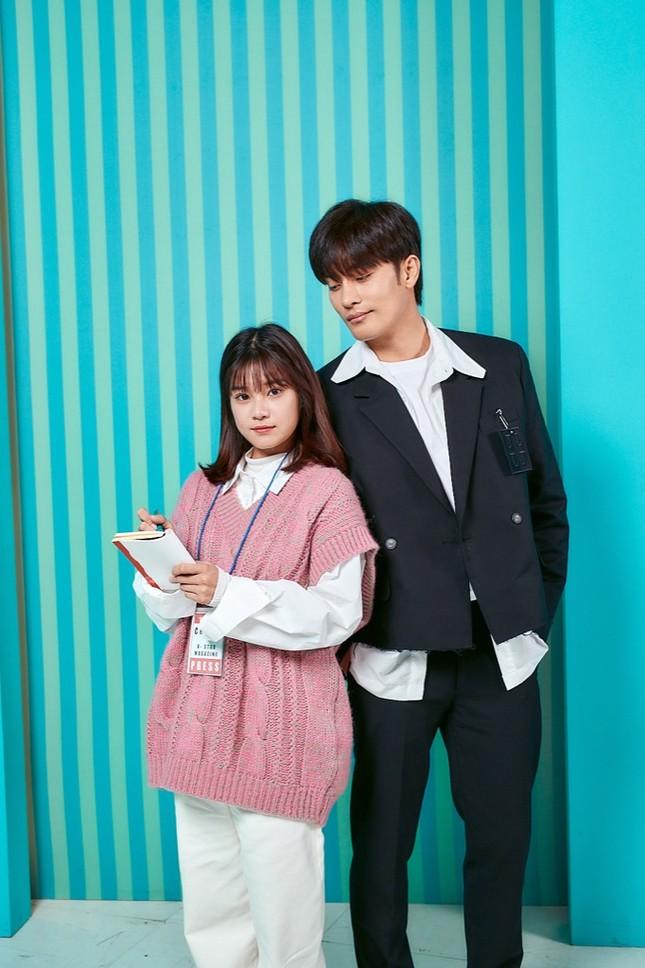 """Siêu Sao Mờ Ám: Lụy tim trước """"phản ứng hóa học"""" của Hoàng Yến Chibi và Sung Hoon ảnh 1"""