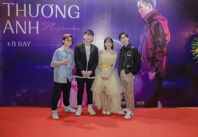 """Karik, ViruSs đến chúc mừng B Ray và Trang Yue ra mắt MV mới """"Thương Anh"""" ảnh 3"""