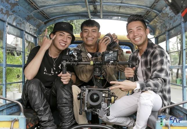 Thành viên TTeam BlackBi mời đại gia Minh Nhựa tham gia MV về đề tài COVID-19 ảnh 1