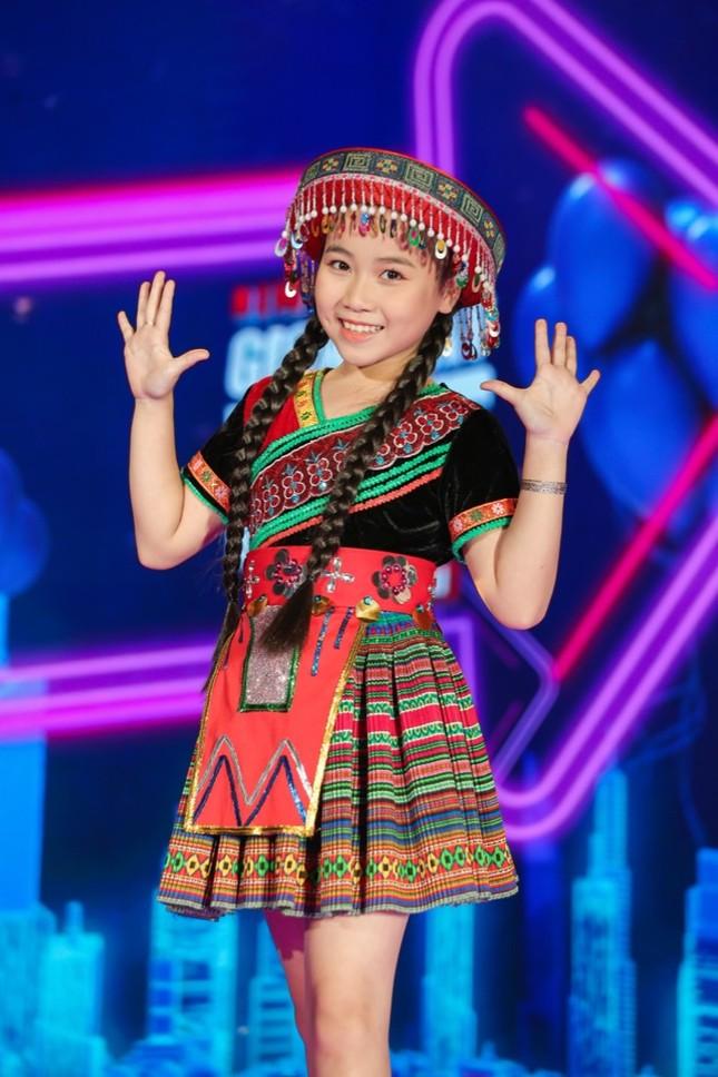 """Giọng hát Việt nhí: Big Daddy - Emily tung quà """"khủng"""" nhưng lại là đội """"ế"""" nhất tập 1 ảnh 7"""