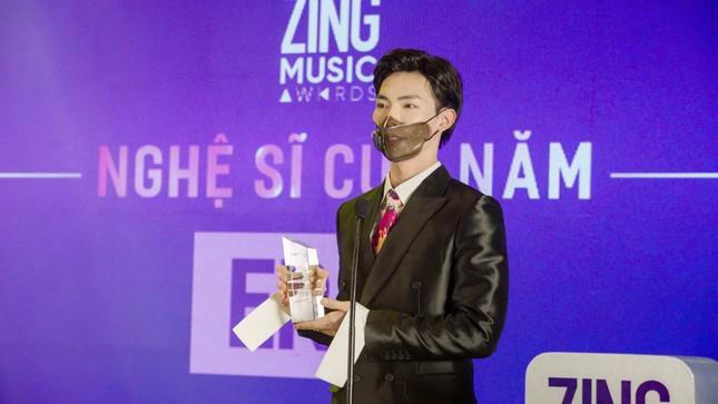 """Jack thắng lớn, lập cú đúp tại lễ trao giải âm nhạc """"Zing Music Awards 2020"""" ảnh 1"""