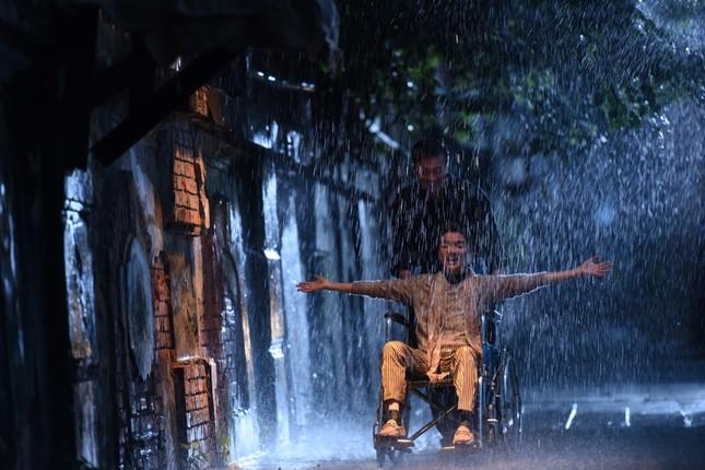 Ca sĩ Đàm Vĩnh Hưng vào vai có số phận bi thương, mắc bệnh hiểm nghèo trong MV drama mới ảnh 4