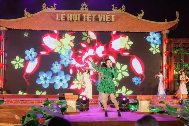 """Teen Sài Gòn có thể tranh thủ đón Tết sớm, chụp ảnh đẹp lung linh tại """"Lễ hội Tết Việt 2021""""  ảnh 3"""