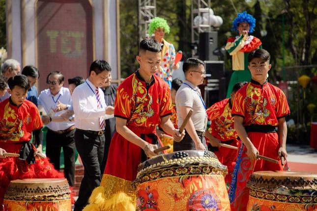 """Teen Sài Gòn có thể tranh thủ đón Tết sớm, chụp ảnh đẹp lung linh tại """"Lễ hội Tết Việt 2021""""  ảnh 1"""