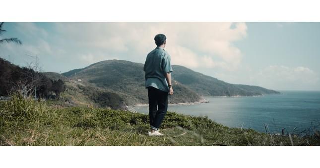 Jay Quân kết hợp rapper Chị Cả trong ca khúc mới, tung MV đẹp như mơ tại Đà Nẵng ảnh 1