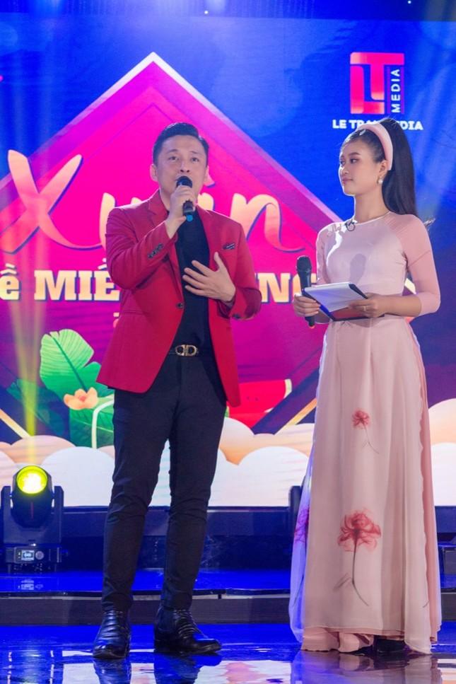 Lam Trường hội ngộ cháu gái Tiêu Châu Như Quỳnh trong đêm nhạc hướng về miền Trung ảnh 3