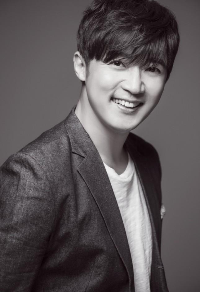 """Diễn viên Ahn Jae Wook khen ngợi khả năng hóa thân của Ngô Kiến Huy trong """"Em là của em"""" ảnh 3"""