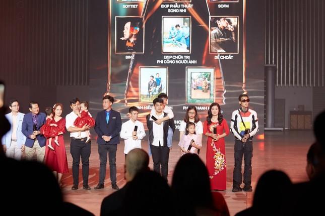 Dế Choắt vừa được gọi tên tại lễ trao giải WeChoice, nút vàng YouTube lập tức đến tay ảnh 7