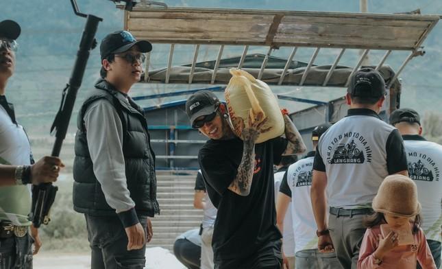 Dế Choắt kết hợp với nghệ nhân đàn bầu, mang chất liệu dân tộc vào Rap trong sản phẩm mới ảnh 2