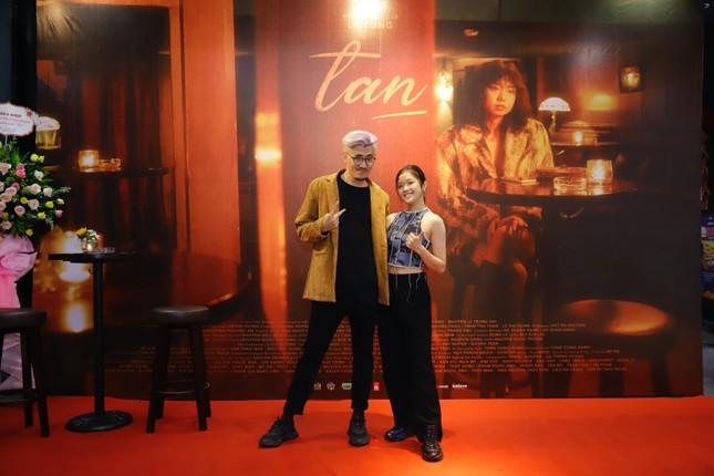 Đạo diễn trẻ của nhiều MV V-Pop ra mắt phim ngắn đầu tay, được Kathy Uyên ủng hộ hết mình ảnh 5