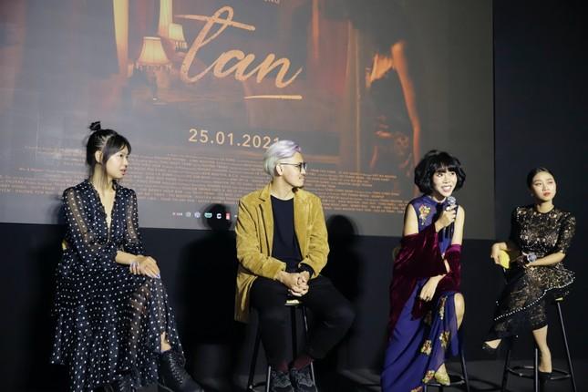 Đạo diễn trẻ của nhiều MV V-Pop ra mắt phim ngắn đầu tay, được Kathy Uyên ủng hộ hết mình ảnh 4