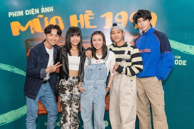 """Phương Mỹ Chi được yêu cầu phải giảm cân khi đóng vai chính phim retro """"Mùa Hè 1999"""" ảnh 3"""