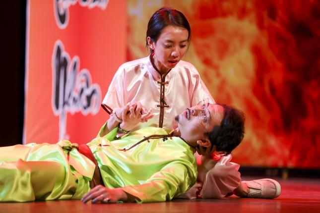 """Hoài Linh, Thu Trang, Nam Thư hội ngộ khán giả trong kịch """"Xuân này em lấy chồng"""" ảnh 2"""