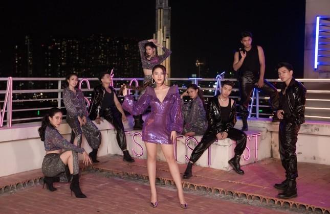 Ngọc Thanh Tâm kết hợp Ricky Star tung MV nhạc phim, concept tươi tắn chuẩn mùa Tết ảnh 5