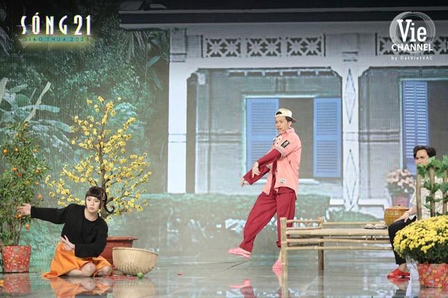 Danh hài Hoài Linh nhập vai Binz, trở lại màn ảnh nhỏ trong đêm Giao thừa Tết Tân Sửu ảnh 6