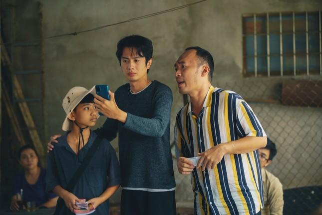 Phim hài Tết của Tiến Luật bất ngờ đạt Top 1 Trending, Thu Trang nói điều này với chồng ảnh 6