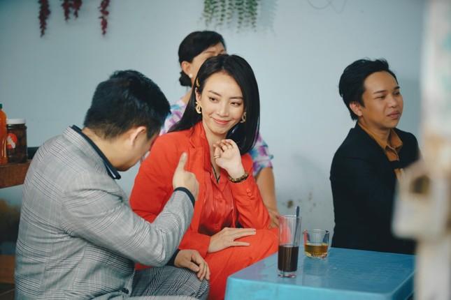 Phim hài Tết của Tiến Luật bất ngờ đạt Top 1 Trending, Thu Trang nói điều này với chồng ảnh 4