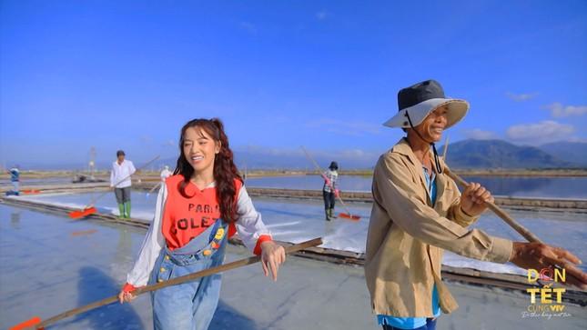 Đen Vâu, Puka quay MV ngoại cảnh cực đẹp tại Ninh Thuận, Tây Nguyên tặng khán giả ảnh 3