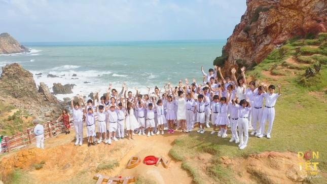 Đen Vâu, Puka quay MV ngoại cảnh cực đẹp tại Ninh Thuận, Tây Nguyên tặng khán giả ảnh 7