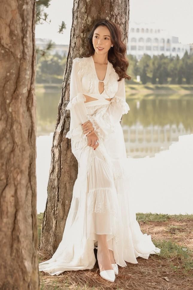 Thu Trang xinh đẹp ngày đầu năm, tiết lộ bí quyết lấy lại vóc dáng sau Tết ảnh 6