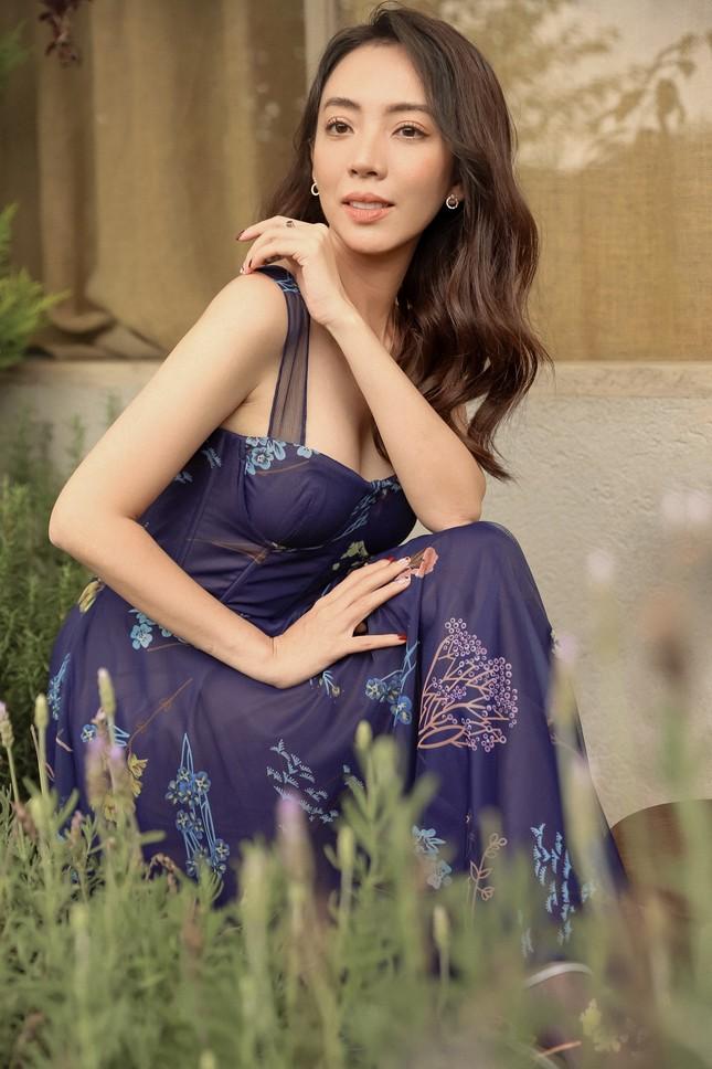 Thu Trang xinh đẹp ngày đầu năm, tiết lộ bí quyết lấy lại vóc dáng sau Tết ảnh 2