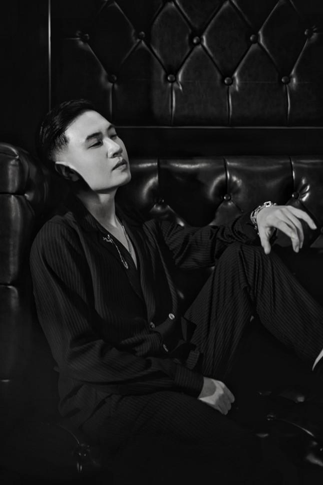 Ra mắt MV mới, nhạc sĩ Vương Anh Tú muốn được xem là ca sĩ có khả năng sáng tác ảnh 1