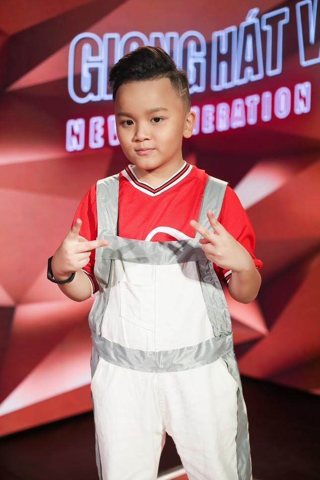 """Giọng hát Việt nhí: Big Daddy - Emily """"khoác áo mới"""" cho loạt hit quen thuộc để các học trò đối đầu ảnh 6"""