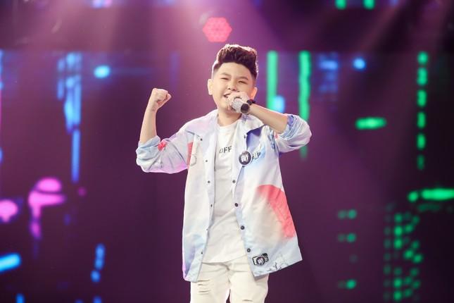 """Giọng hát Việt nhí: Big Daddy - Emily """"khoác áo mới"""" cho loạt hit quen thuộc để các học trò đối đầu ảnh 3"""
